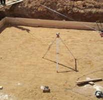 Как создается песчаная подушка под ленточный фундамент?