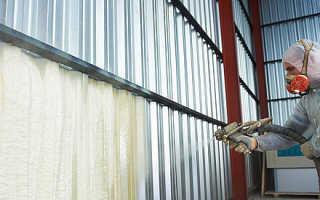 Как пенополиуретаном выполнить утепление крыши?