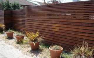 Как сделать деревянный забор из штакетника своими руками