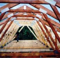 Через какое расстояние при устройстве крыш ставят стропила