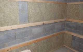 Как выполнить крепление бруса к стене?
