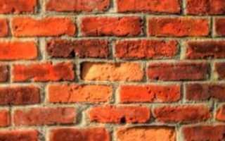 От чего зависит минимальная толщина стены из кирпича?