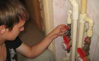 Процесс замены вентиля в стояке