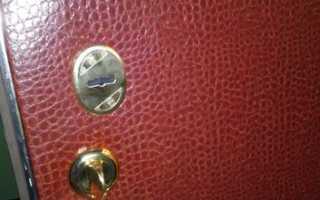 Как перетянуть дверь дермантином